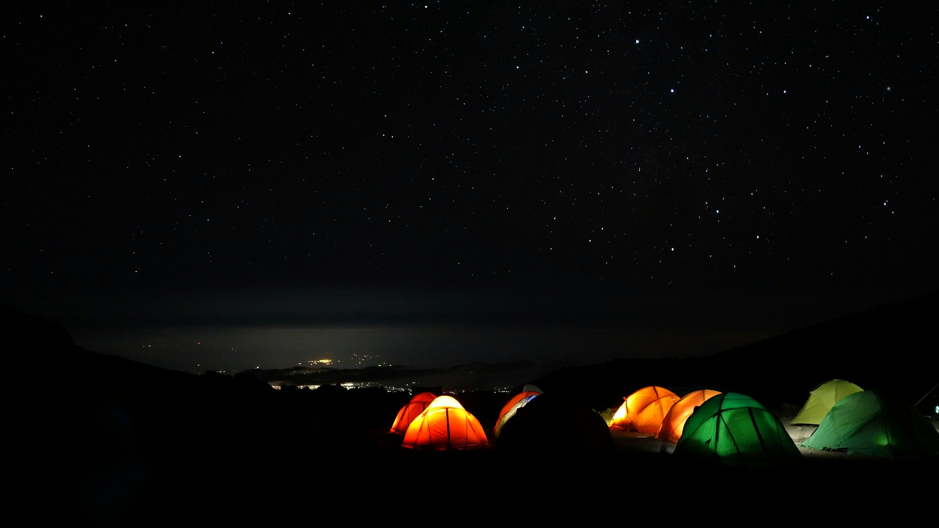 kilimanjaro-1536827_1920