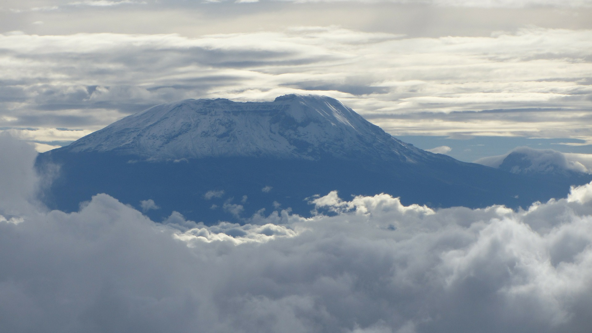 kilimanjaro-279998_1920