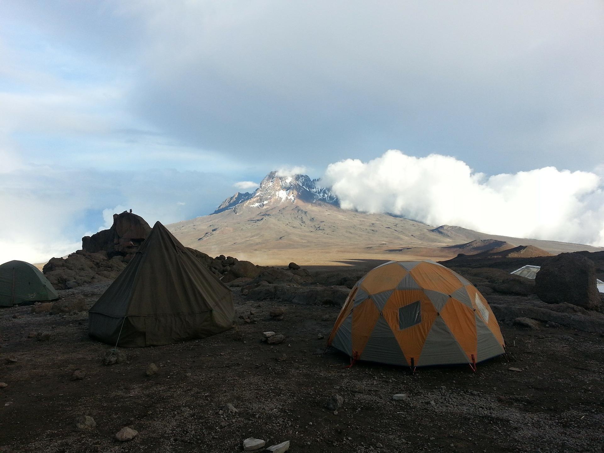kilimanjaro-342696_1920